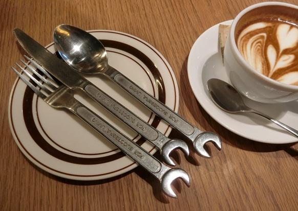 渋谷「Glorious Chain Cafe グロリアス チェーン カフェ」カトラリー