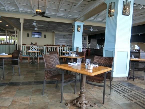 ハワイ アウトリガーリーフ ザ・リーフ バー&マーケットグリル 店内