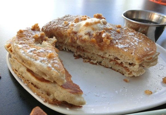 ハワイ The LAYLOW レイロウ「HIDE OUT ハイドアウト」パンケーキ