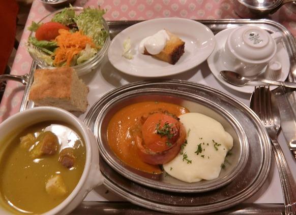 渋谷 CONCOMBRE コンコンブル トマト肉詰め