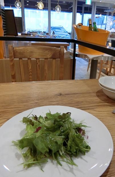 六本木「♯uni Seafood ウニ シーフード」ランチサラダ