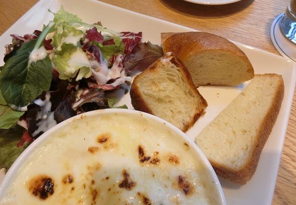 東京ガーデンテラス紀尾井町 ラ・プレシューズ グラタン サラダ パン