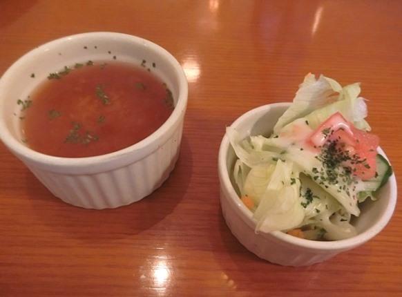 麻布十番「CAFE DEUX TOITS カフェ・ドゥ・トワ」ランチスープ サラダ