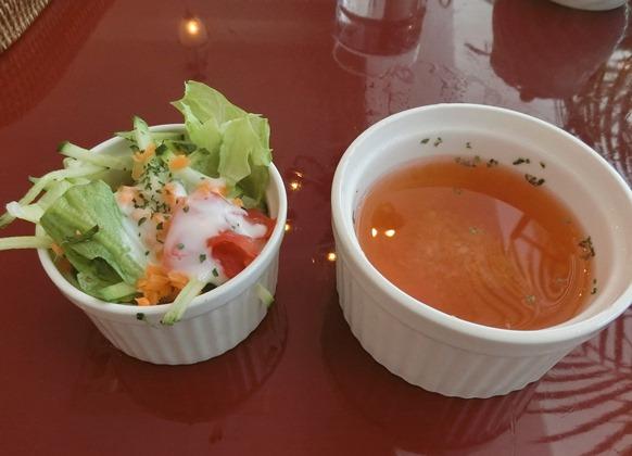 麻布十番「CAFE DEUX TOITS カフェ・ドゥ・トワ」ランチサラダスープ