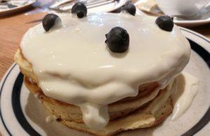渋谷 グロリアス チェーン カフェ クリームチーズ&ブルーベリーパンケーキ